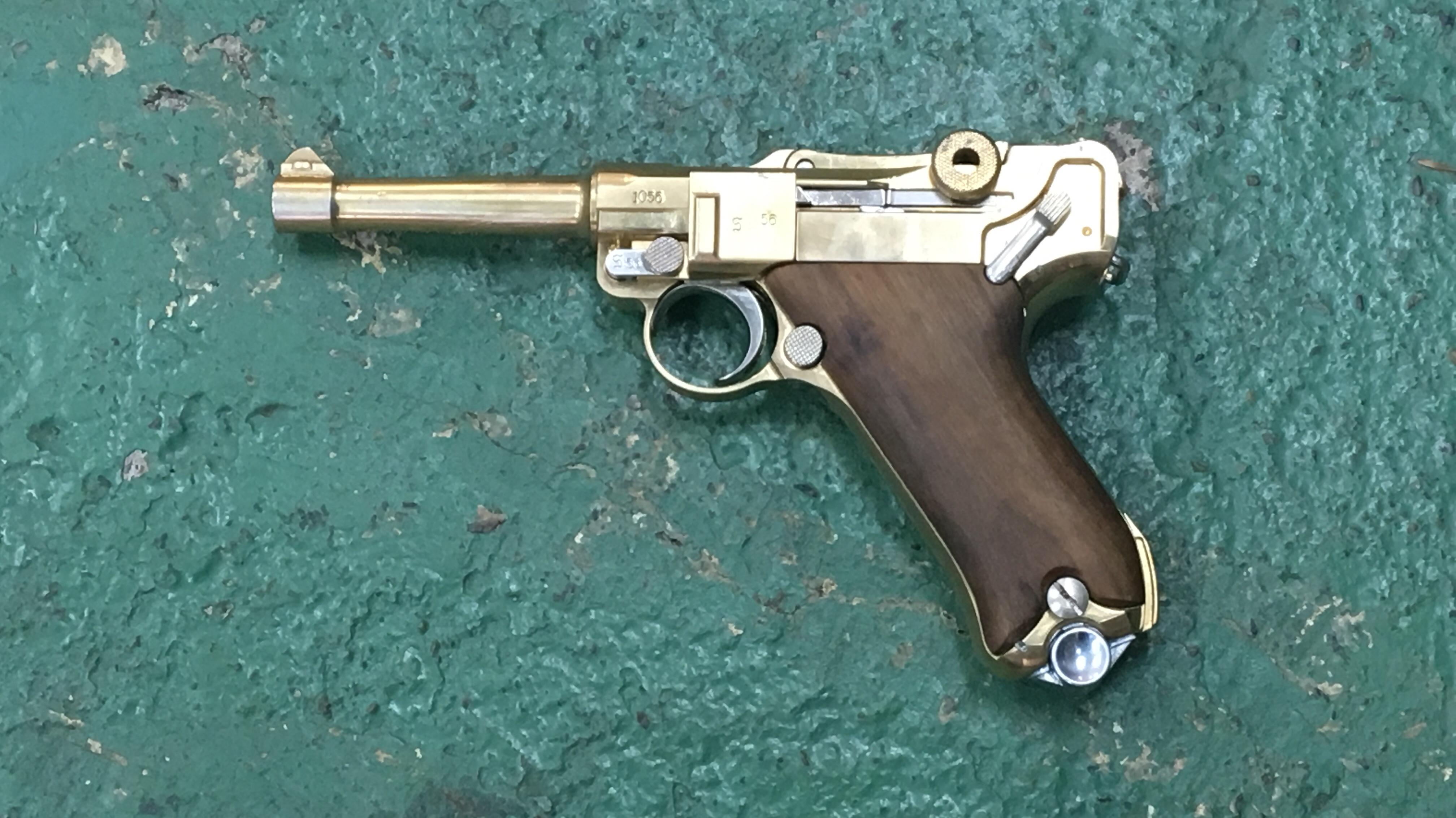ルガーP08 ゴールド