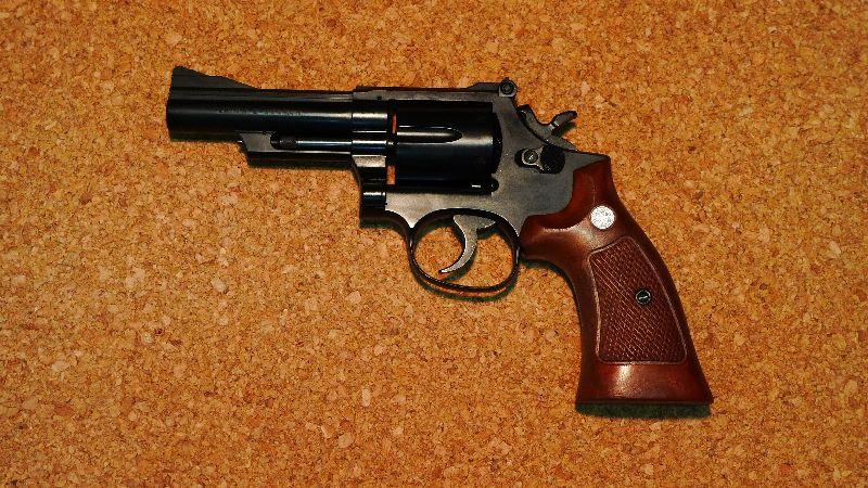 S&W M19 コンバットマグナム 4inc