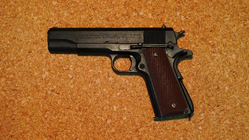 コルトガバメント軍用タイプ(M1911A1)