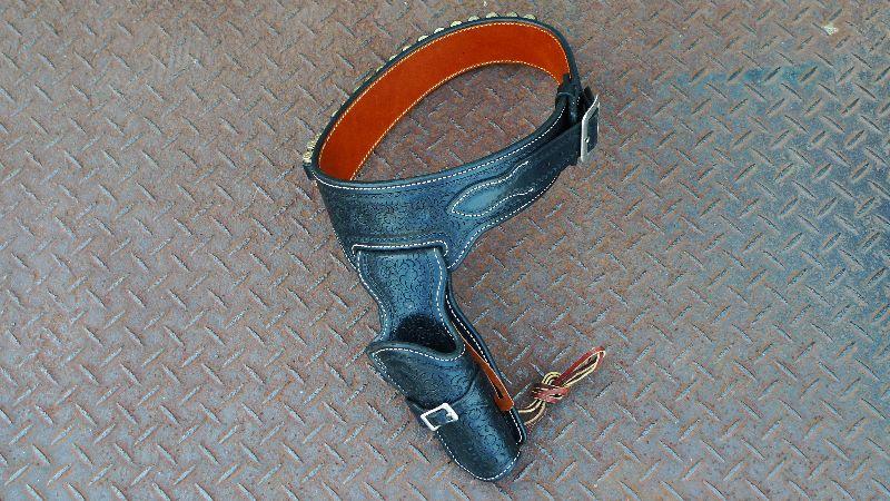 SPEED コルトSAA用ガンベルト シングル彫刻入り黒